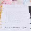 white note with fieto e melhor que perfeito text
